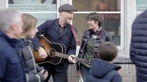Busking with Billy Bragg - video