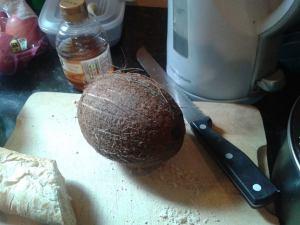 cocnut raw